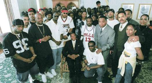 Farrakhan Challenges The Hip Hop Community: 'Accept The Responsibility of Leadership'