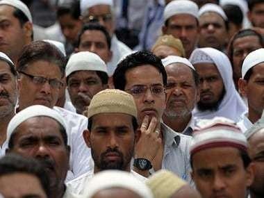 Indian Muslims listen to Muslim leader Shoiab Iqbal speaking against British author Salman Rushdie at Jama Masjid in New Delhi on March 16, 2012. AFP PHOTO/ Prakash SINGH